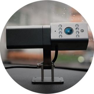 Teltonika DualCam устанавливается под лобовым стеклом