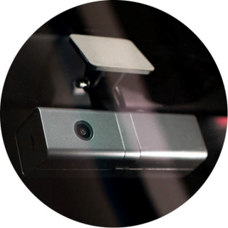 Вид снаружи на установленное устройство Teltonika DualCam